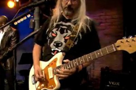 J Mascis Sits In With The Roots [Late Night With Jimmy Fallon Episode]