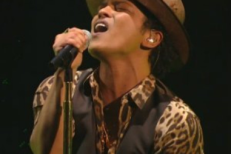 """Gorilla"" - Bruno Mars [MTV VMAs Live Video]"