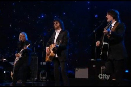 "image for article ""Something"" - Jeff Lynne, Joe Walsh, and Dhani Harrison (Beatles 50th Anniversary in Los Angeles) [Video]"