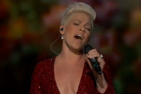 "image for article ""Somewhere Over the Rainbow"" - Pink Oscars Performance 3.2.2014 [Official Video]"