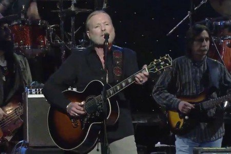 "image for article ""Midnight Rider"" - Gregg Allman ft Vince Gill & Zac Brown Live 1.10.2014 [All My Friends Video]"