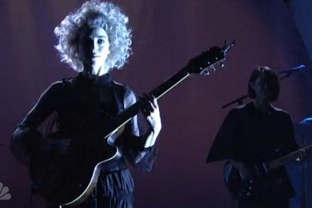 """Digital Witness"" & ""Birth in Reverse"" - St. Vincent on Saturday Night Live 5.17.2014 [Videos]"
