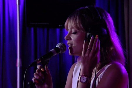 "image for article ""URL Badman"" - Lily Allen on BBC Radio 1 7.17.2014 [Official Youtube Video]"