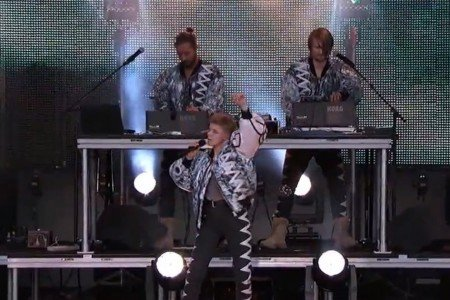 "image for article  ""Do It Again"" - Röyksopp & Robyn  on Jimmy Kimmel Live 6.30.2014 [YouTube Video]"