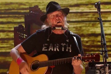 image for article Neil Young Full Set at Farm Aid on Sep 13, 2014 in Raleigh, NC [YouTube Official Videos]