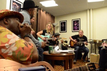 "image for article ""Leavin' Trunk"" - Tedeschi Trucks Band with Taj Mahal and Jerry Douglas 9.19.2014 [YouTube Video]"