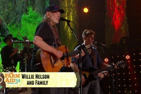 image for article Willie Nelson Full Set at Farm Aid 9.13.2014 in Raleigh, NC [YouTube Official Videos]
