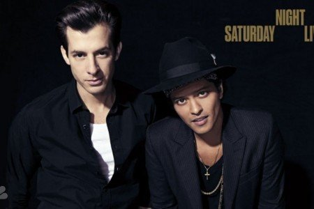 """Uptown Funk"" & ""Feel Right"" - Mark Ronson ft Bruno Mars & Mystikal on SNL Nov 22, 2014 [YouTube Official Videos]"