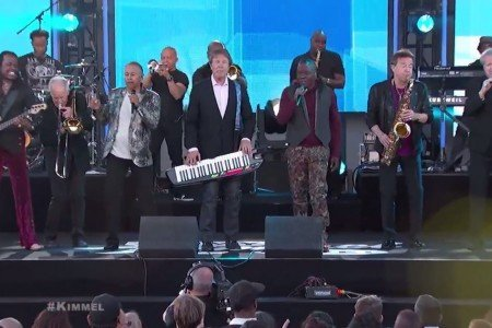 Earth, Wind & Fire and Chicago Medley on Jimmy Kimmel Live April 23, 2015 [YouTube Official Video]