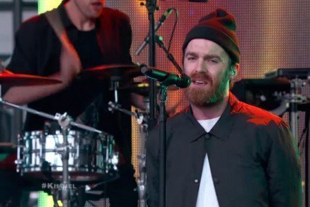 "image for article ""Gold"" & ""1998"" - Chat Faker on Jimmy Kimmel Live! April 22, 2015 [YouTube Official Videos]"