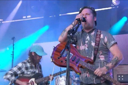 image for article Modest Mouse Live Performances on Jimmy Kimmel Live! on April 30, 2015 [YouTube Official Video]