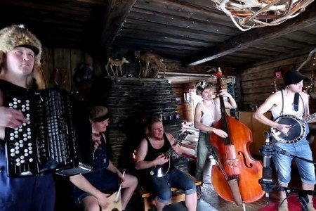 """Run To The Hills"" - Steve 'n' Seagulls (Iron Maiden Cover) [YouTube Official Live Video]"