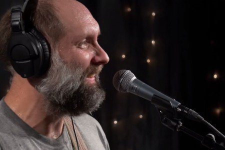 image for article Built to Spill KEXP Performance & Interview in Seattle on July 24, 2015 [YouTube Official Video]