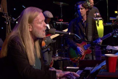 """I'm No Angel"" - Gregg Allman at the Grand Opera House in Macon, Georgia on Jan 14, 2014 [YouTube Official Video]"