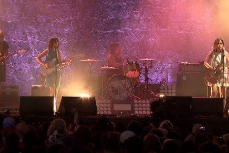 "image for article ""Bury Our Friends"" & ""Entertain"" - Sleater-Kinney at Pitchfork Music Festival 2015 in Chicago [YouTube Official Videos]"