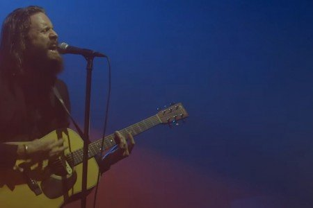 image for article Father John Misty Full Performance at the Pitchfork Music Festival in Paris, France on Oct 31, 2015 [YouTube Official Video]