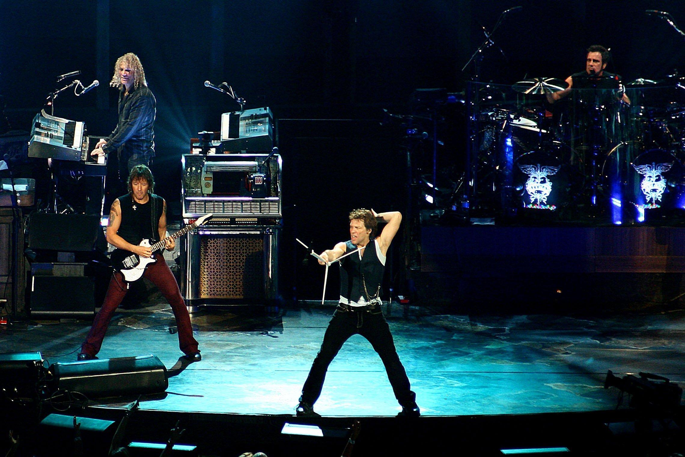 Bon Jovi Official Photo - Jon Bon Jovi, David Bryan, Tico Torres, Richie Sambora