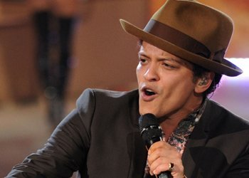 bruno-mars-featured-artist-image-page