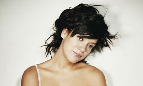 Lily Allen Makes Her Comeback Performance | Music News | Zumic  Lily Allen