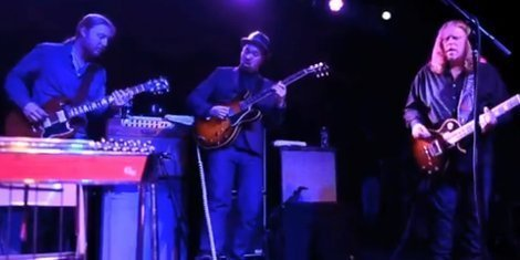 image for article Derek Trucks & Warren Haynes Join Soulive at Brooklyn Bowl [Live Video]