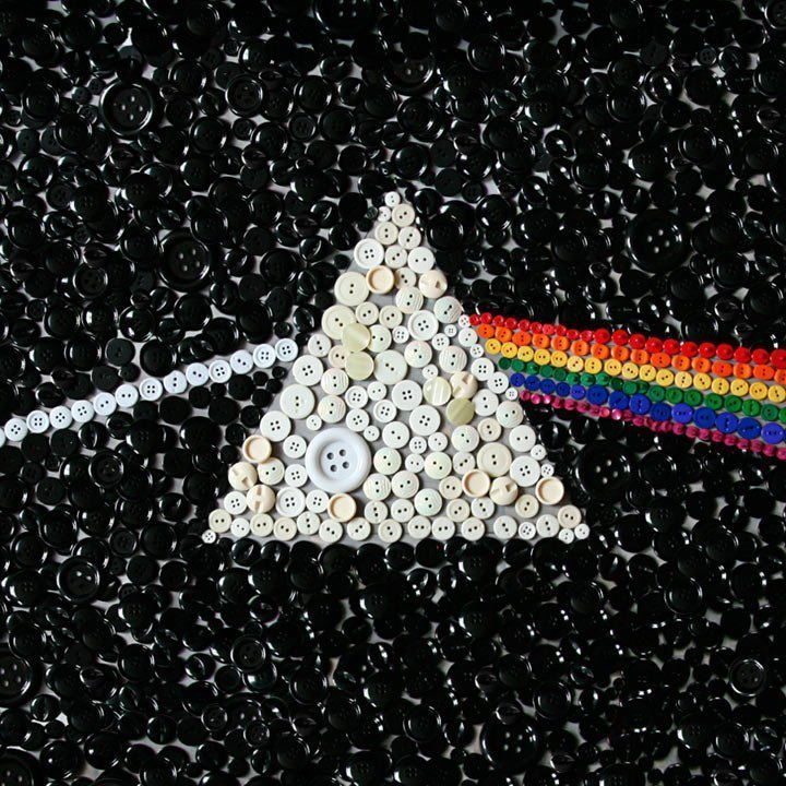 pink-floyd-dark-side-of-the-moon-cover-art-buttons