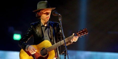 image for article Beck Announces Solo Acoustic Dates