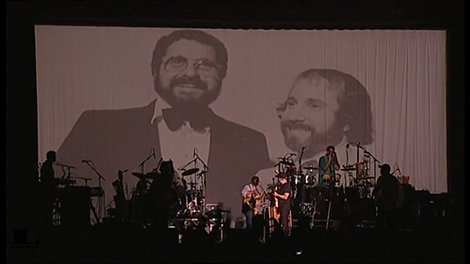 paul-simon-slip-slidin-away-phil-ramone-tribute-video-australia