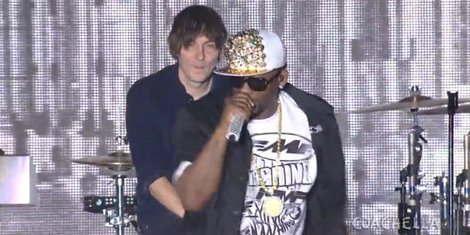 "image for article Phoenix & R. Kelly - ""1901,"" ""Ignition (Remix)"" and ""I'm a Flirt"" Mash-Up [Coachella Video]"