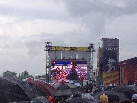 DMB-in-the-rain