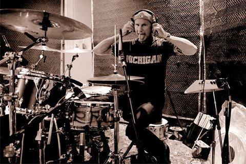 Jake-Bugg-Chad-Smith-studio-photo