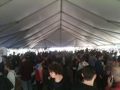 brooklyn-flea-record-fair-smorgasburg-opening-day-2013