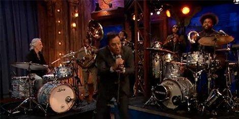 john-densmore-jimmy-fallon-roadhouse-blues-the-roots-hulu-video