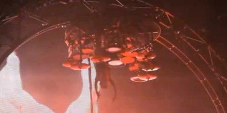 motley-crues-tommy-lee-retires-roller-coaster-drum-set