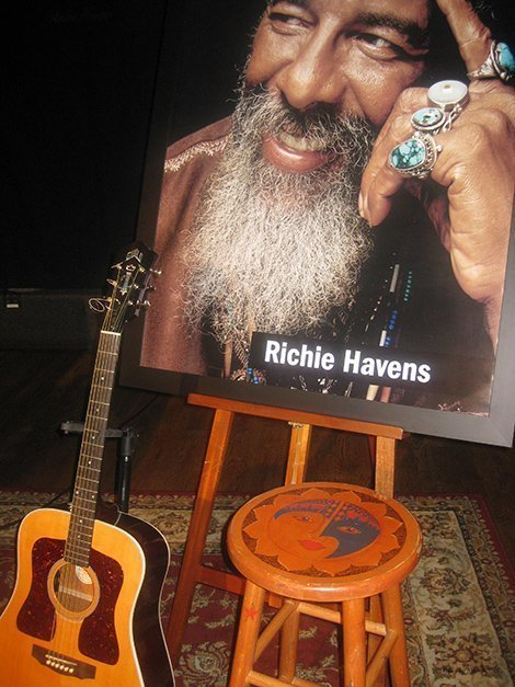 richie-havens-city-winery-nyc-memorial-guitar-portrait-stool