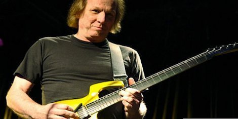 image for article Guitarist Adrian Belew Quits Nine Inch Nails
