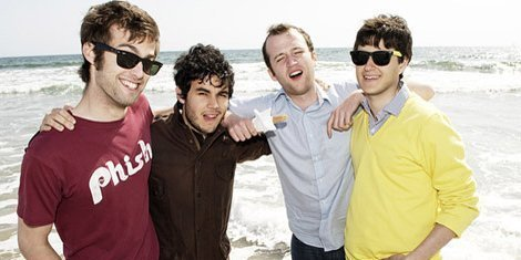 vampire-weekend-group-pic-live-2013-tour-zumic