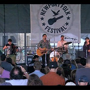 image for article Colin Meloy Live at Newport Folk Festival 07.27.2013 [Video & Full Audio Playlist]