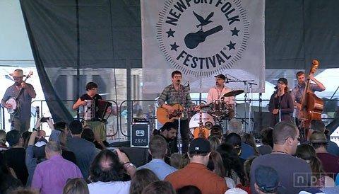 Colin-Meloy-Newport-Folk-Festival-2013-Image-7