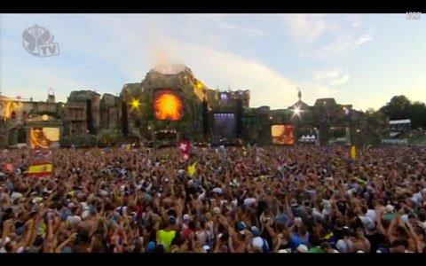 David-Guetta-Nicky-Romero-Afrojack-Tomorrowland-2013-Image-3