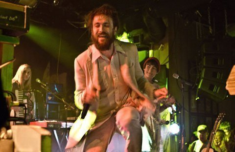 Edward-Sharpe-&-The-Magnetic-Zeros-Article-Image
