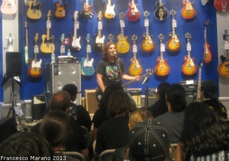 FrankBello-GuitarCenter-2013 010