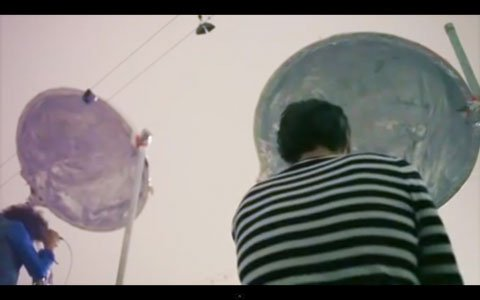 The-Flaming-Lips-Turning-Vilent-Image-2