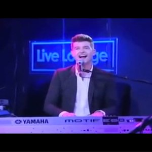 i-love-it-robin-thicke-icona-pop-cover-live
