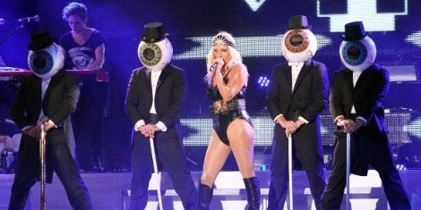 kesha-rip-off-the-residents-in-stage-show
