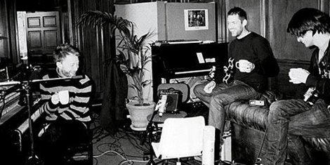 old-radiohead-photo-zumic-on-a-friday-demo-auction