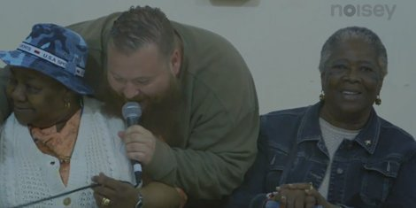 strictly-4-my-jeeps-action-bronson-youtube-live-from-st-hildas-2