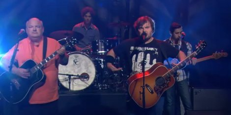 "image for article ""Throwdown"" - Tenacious D [Late Late Show Interview And Performance]"