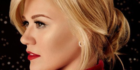 image for article Kelly Clarkson Announces New Christmas Album