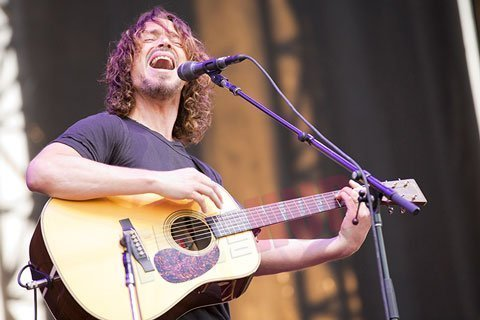 chris-cornell-acoustic-live