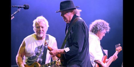 neil-young-crazy-horse-tour-cancelled